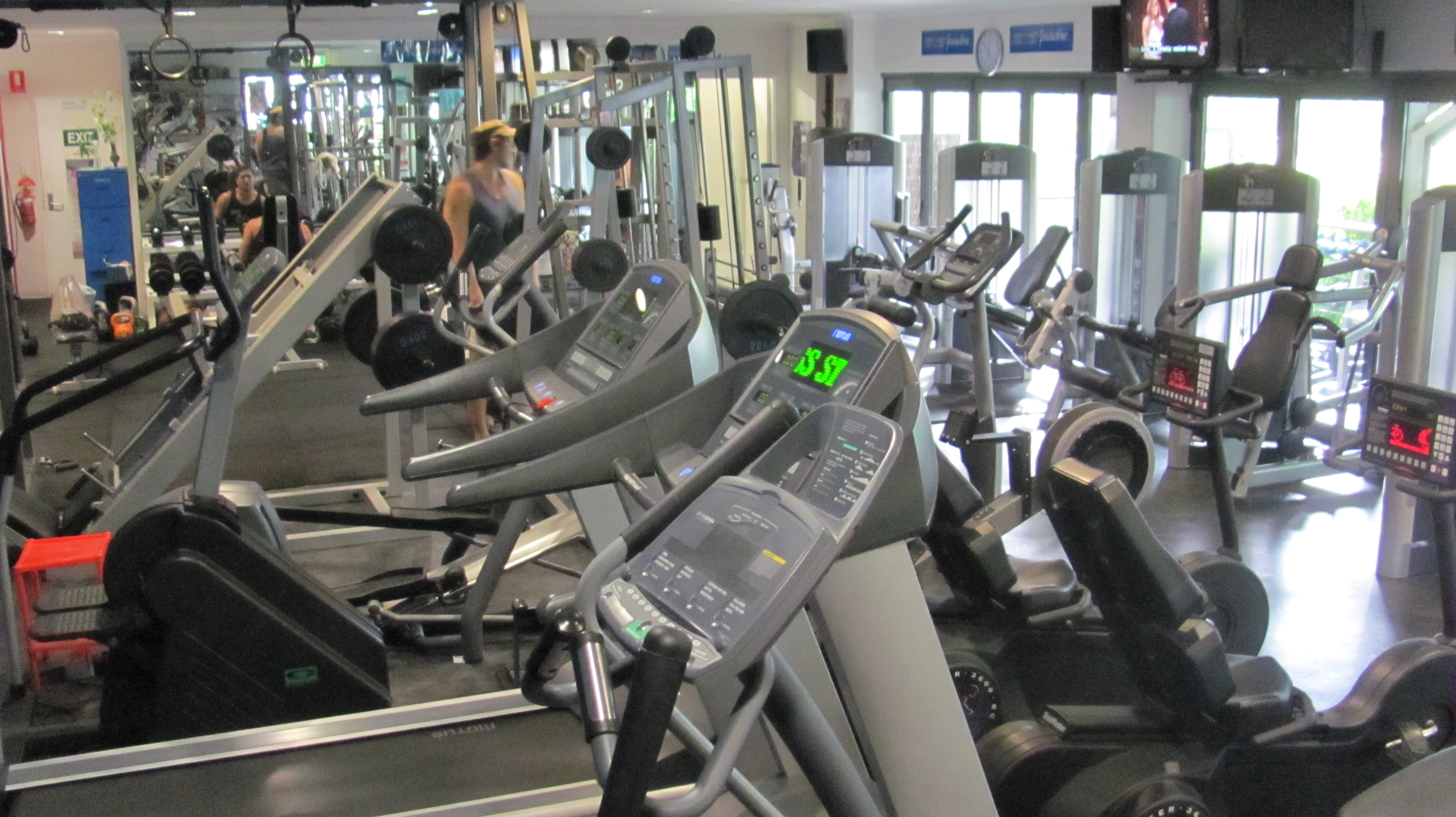 Used-Commercial-Gym-Equipment-package-For-Sale-Dec-2013
